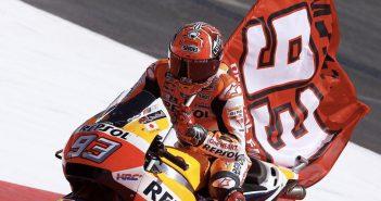 MotoGP - Rossi e Lorenzo cadono, Marquez vince e diventa Campione del Mondo con 3 gare d'anticipo