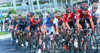 Giro d'Italia, 12ª tappa: Fernando Gaviria cala il tris a Reggio Emilia