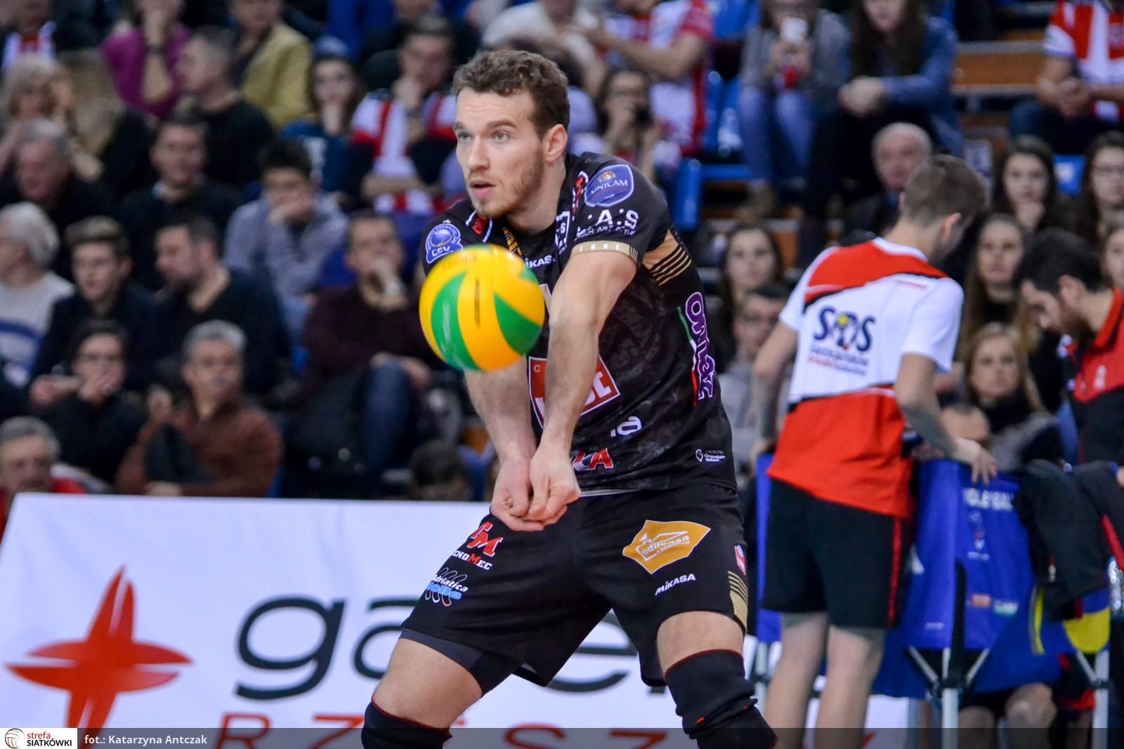 Modena volley rassegna stampa denis kaliberda l 39 ultimo for Casa modena volley