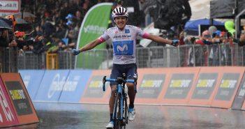 Giro d'Italia, 8ª tappa: magia di Carapaz a Montevergine