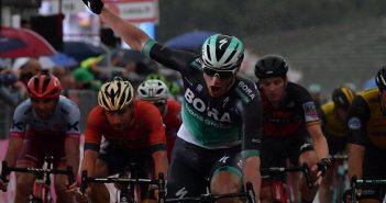 Giro d'Italia, 12ª tappa: sotto il diluvio di Imola vince Bennet