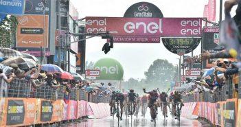 Giro d'Italia, 17ª tappa: ancora Viviani, la volata di Iseo è sua!