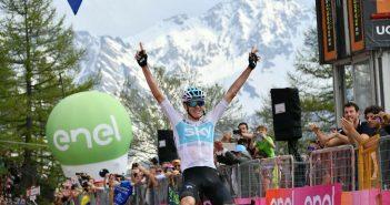 Giro d'Italia, 19ª tappa: Froome compie un'impresa sul Colle delle Finestre e conquista la maglia rosa