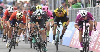 Giro d'Italia, 7ª tappa: Bennett batte Viviani in volata, negandogli la terza vittoria
