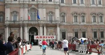 VIDEO - Modena di corsa con l'Accademia Militare