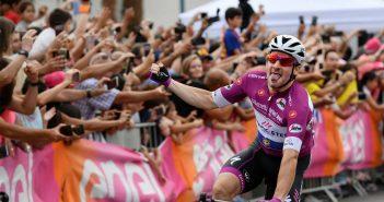 Giro d'Italia, 3ª tappa: Viviani conclude ancora in testa