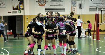 Volley, Serie B1/F: Emilbronzo 2000 di forza, vince il derby e blinda il 2° posto