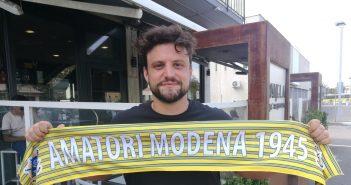 Hockey - Symbol Amatori Modena 1945, ritorno in gialloblù per il difensore Riccardo Manai
