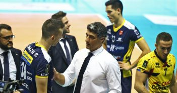 Modena Volley - Una Leo Shoes implacabile sbanca 3-0 Ravenna in un PalaDeAndrè sold out